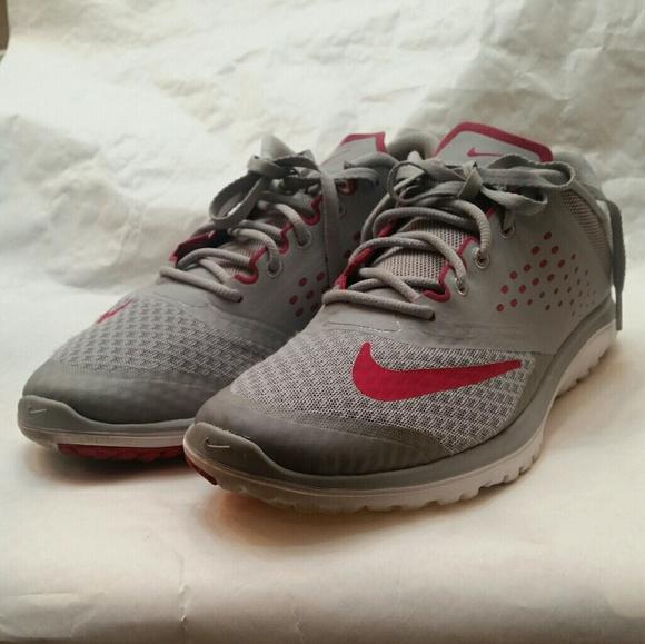 Nike FS Lite Run 2 Gym Shoes Grey Fuschia Pink